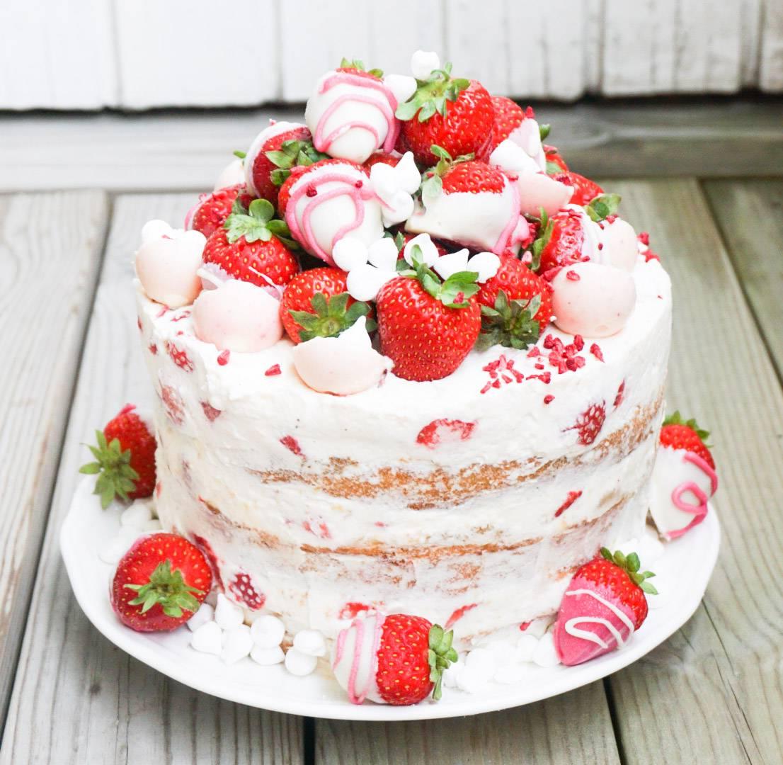 sommartårta jordgubbstårta